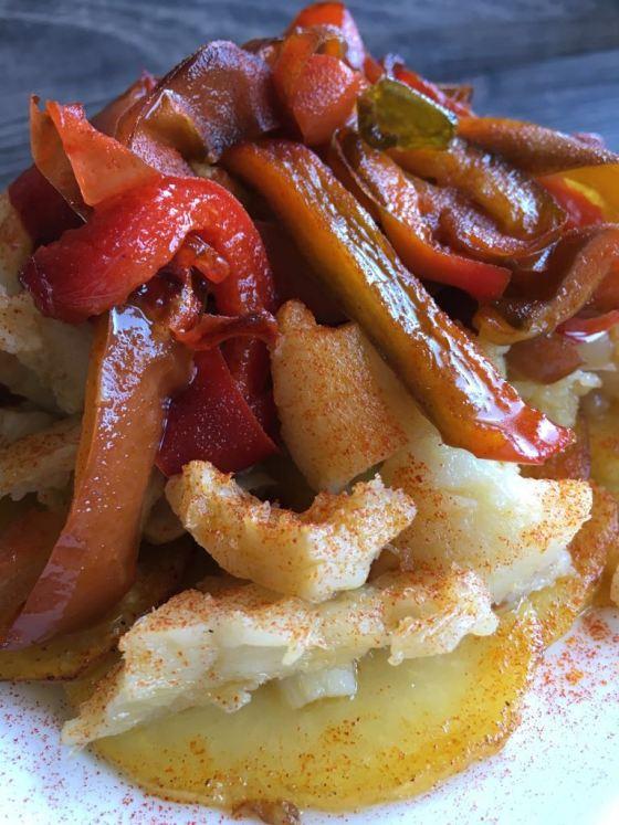 www.mimejorhornada.comBacalao con patatas y pimientos
