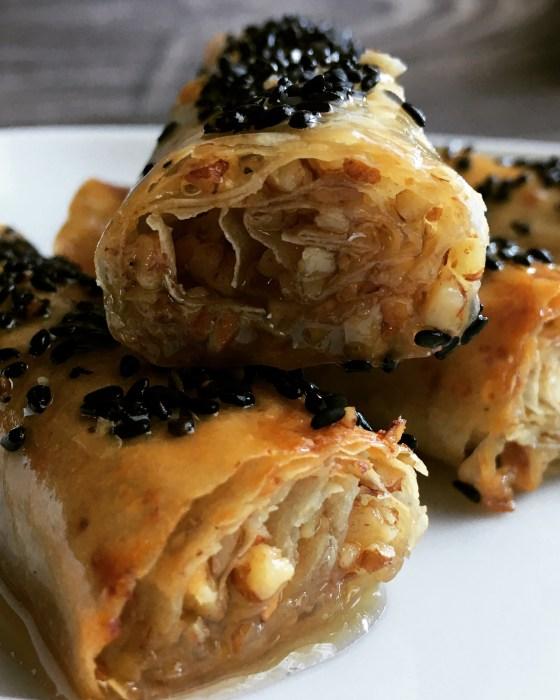 Rollitos de pasta filo con nueces y mielwww.mimejorhornada.com