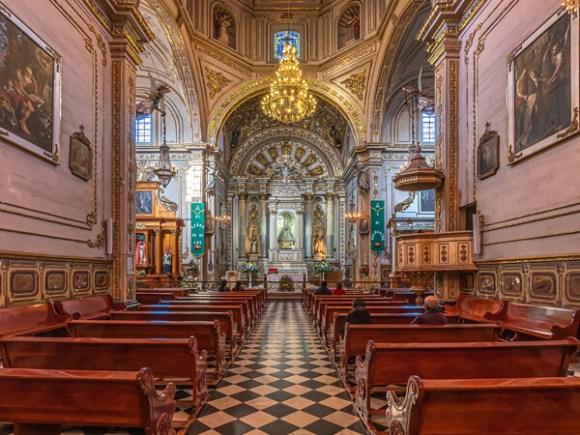 Interior de la Basílica de Nuestra Señora de la Soledad