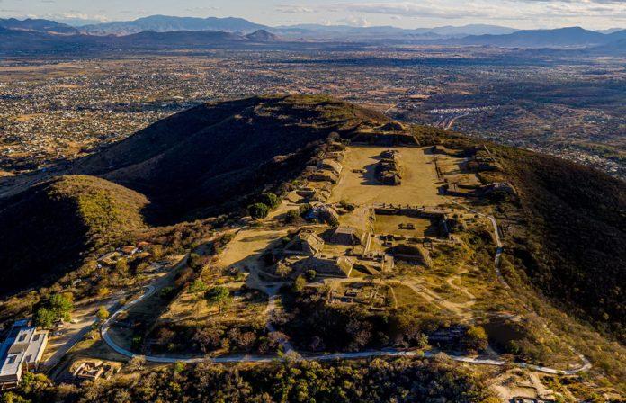 Fotografías de Monte Alban y Mitla en el estado de Oaxaca