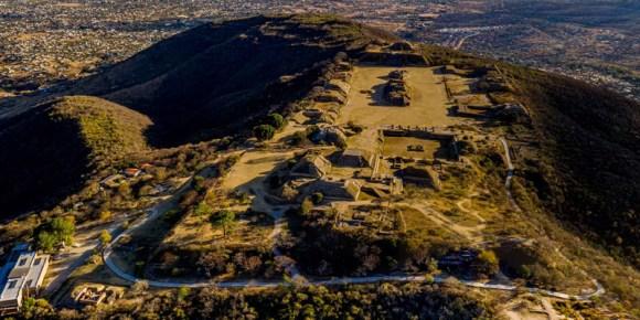 Zonas arqueológicas de Monte Alban y Mitla
