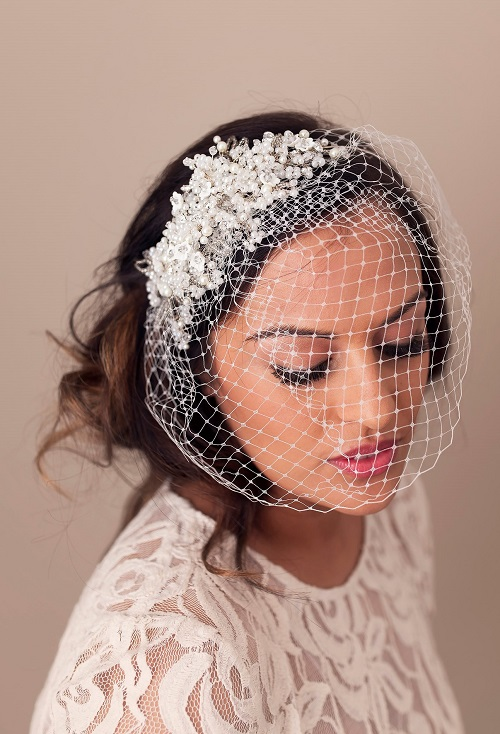 Net Birdcage Veil with Gypsophilia Band