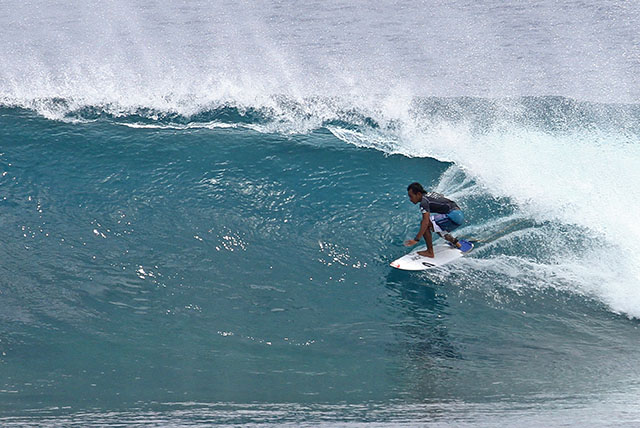 28surfing siargao (4)web