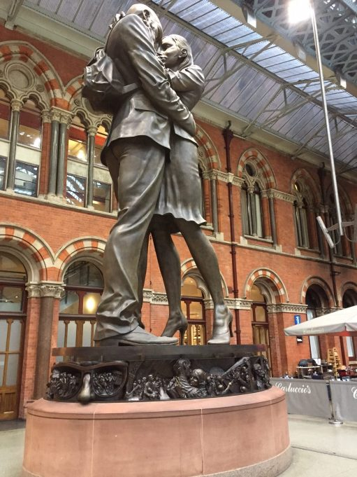 Continental Railway Journeys: The enormous statue of the lovers that I refused to have my picture taken by.