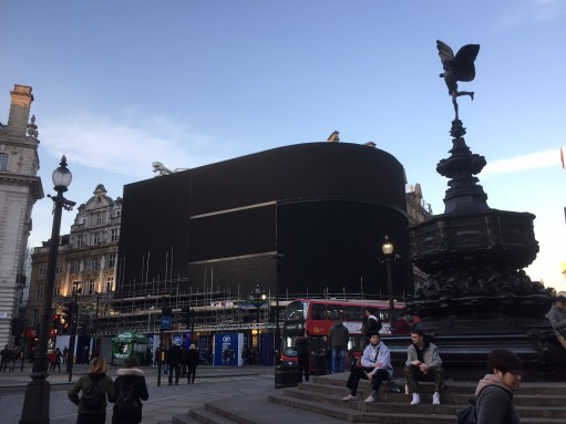 Piccadilly Circus: No Lights.