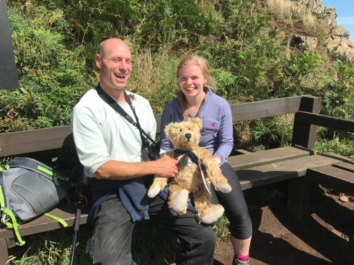 Giselle Eagle: Ed, Warden of Skomer Island, with one of today's volunteers.