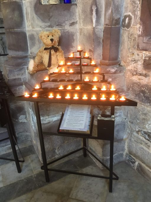 Giselle Eagle: Lighting a Candle for Diddley. Remembering Diddley at St David's.