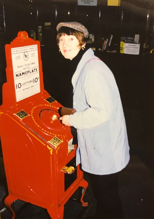 Bobby's Girl: Diddley and the nameplate machine.