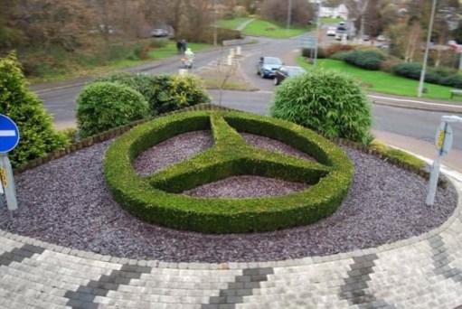 Apricot Village: Mercedes roundabout Brackley.