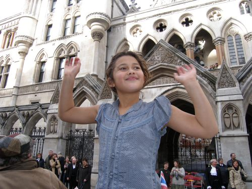 Special One: The Law Courts. A proper Princess waving to her subjects. (And the TV cameras).