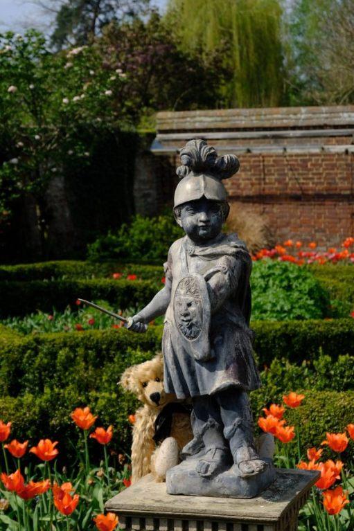 Dunsborough Park Gardens: Do you think he's seen me?