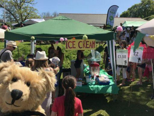"""Teddy Bears' Picnic: """"Blimey. I could do with an ice-cream."""""""