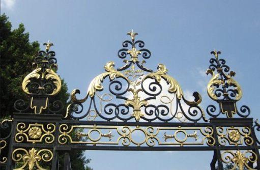 Queen Mary's Rose Garden.