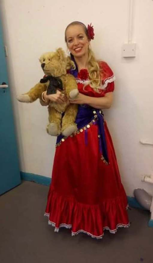 Goldilocks and the Three Bears: The Kindly Romany Rose (Marie).