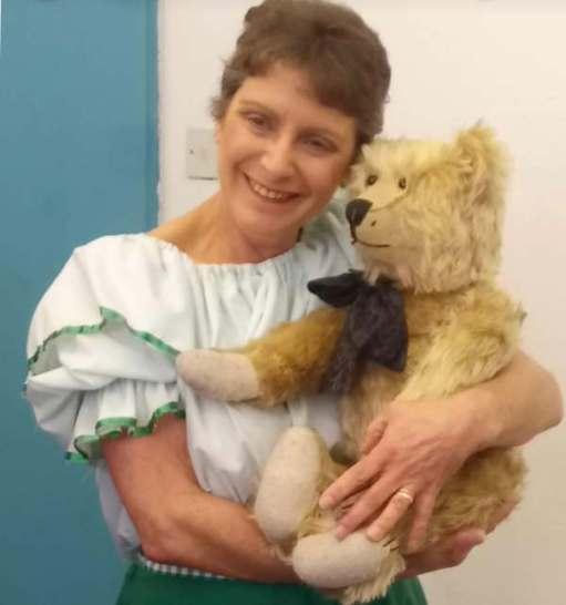 Goldilocks and the Three Bears: A lovely lady from the chorus.