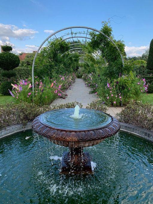 Fountain, Wisley Gardens.