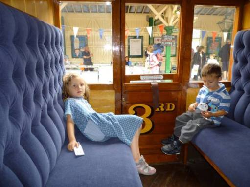 Queen Victoria's Carriage. Layla and Sonny. Haven Street. 2010.