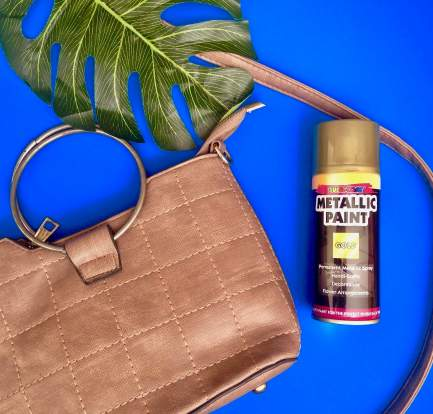 diy faded metal, how to fix faded gold, faded gold bag handle, diy bag, nigerian blogger, mind of amaka, nigerian lifestyle blog, quick and easy diy, bag diy, mini bag, how to use metallic spray, nigerian blogger, nigerian blog, monstera leaf