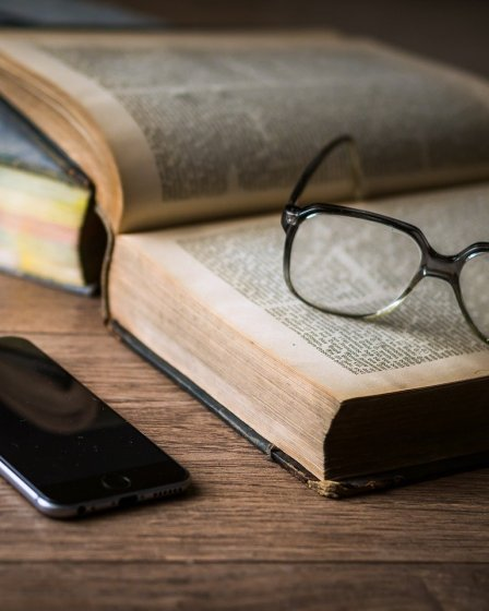 llibre d'equilibri de la vida vs. telèfon intel·ligent