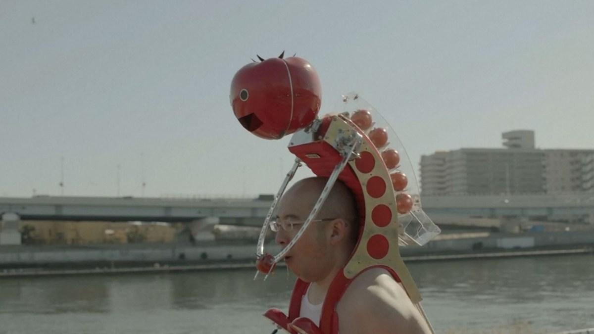In Japan gibt es einen Robot, der Jogger beim Laufen mit Tomaten versorgt