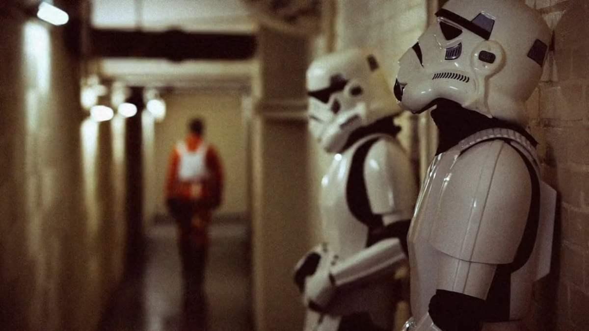 """""""Elstree 1976"""" – eine Doku über die versteckten Darsteller in """"Star Wars"""""""