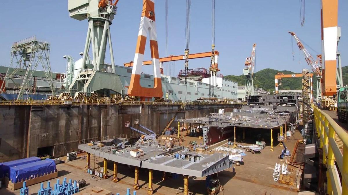 Ein Kreuzfahrtschiff im Zeitraffer bauen