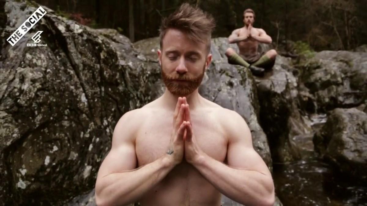 Hallo Ladies: Die neuste Trendsportart ist übrigens Kilted Yoga