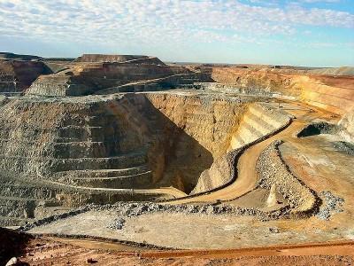 Minera IRL anuncia nuevo comprador para su oro y enoja a matriz
