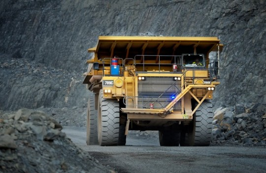 Acciones de Glencore saltan por ventas de activos y robusta previsión para operaciones financieras