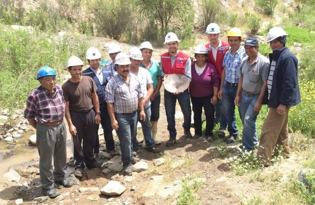 Pirquineros de los lavaderos de oro de Illapel reciben apoyo de la Seremi de Minería