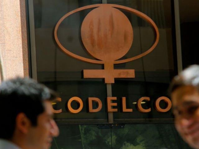 Codelco cierra dos negociaciones sindicales sin reajuste