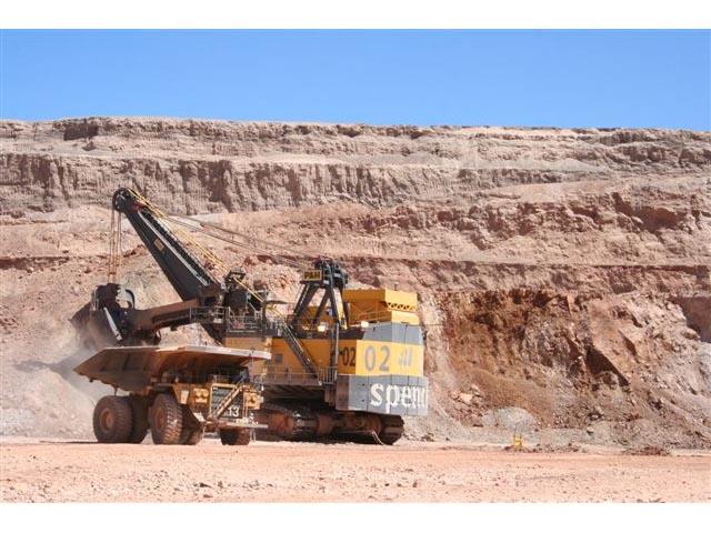 Mina Spence reduce planta de trabajadores en 7% por debilidad del cobre