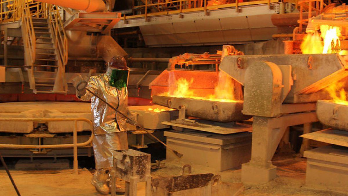 Precio del cobre cierra la semana con nuevos retrocesos ante desaceleración económica de China
