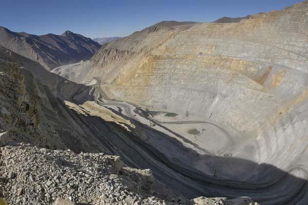 Argentina buscará solucionar con Chile situación generada por mina Pelambres