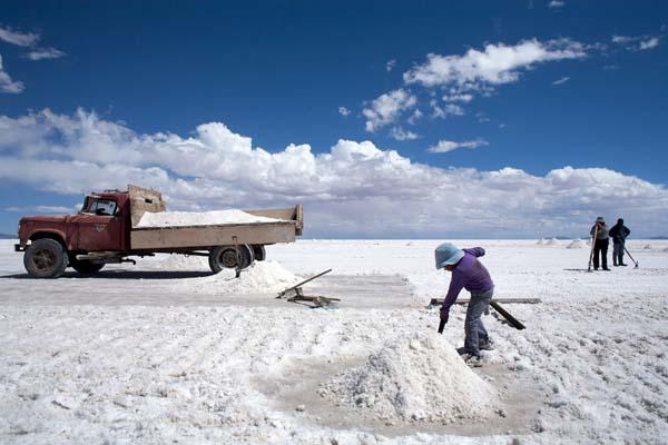 """Precio del litio mantiene """"perspectivas positivas"""" en el mercado"""