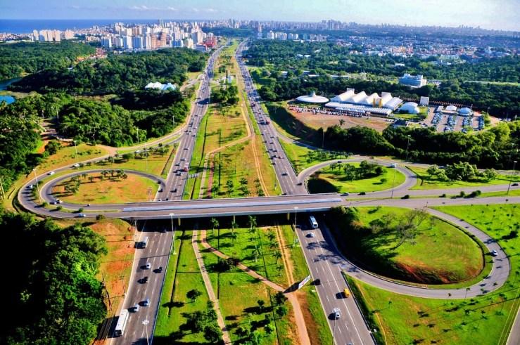 Avenida Luís Viana - Paralela