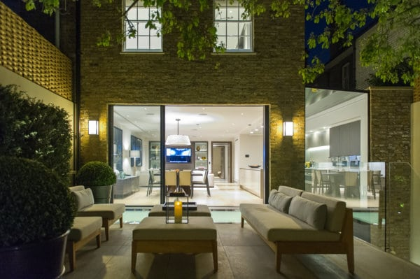 Projects slim frame sliding glass doors minimal windows for Sliding glass doors garden