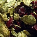 Hops and craisins to make a cranberry ale