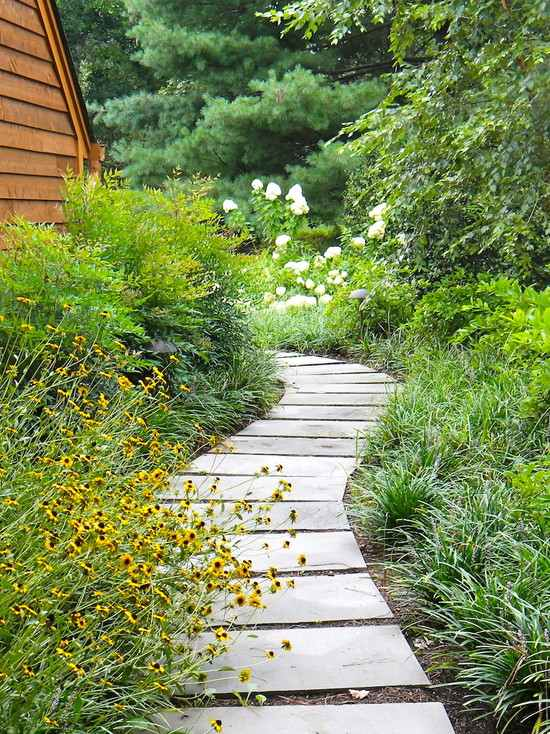 The beauty of the garden path - 112 exciting design ideas on Backyard Walkway Ideas id=49589