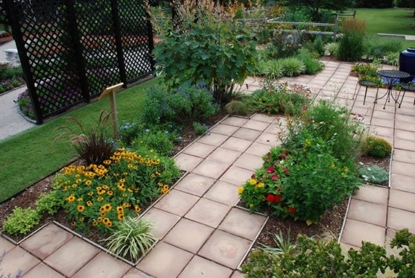 Garden design - 110 pictures, beautiful landscape ideas ... on Square Patio Designs  id=30385