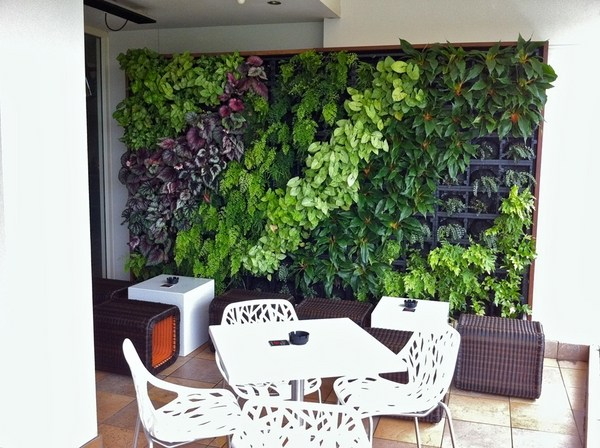 Wall garden in the interior - the freshness of Nature in ... on Green Wall Patio id=62073
