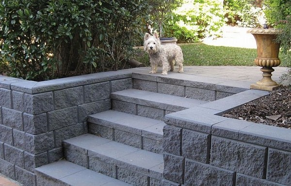 35 retaining wall blocks design ideas - how to choose the ... on Backyard Cinder Block Wall Ideas id=57773