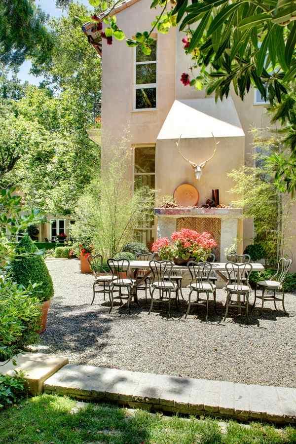 Patio landscape design - cost effective pea gravel patio ... on Patio Gravel Ideas id=66731