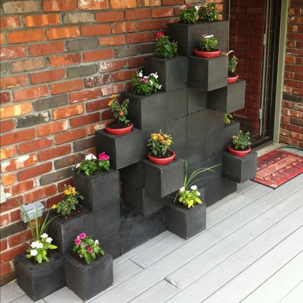 Cinder block garden ideas - furniture, planters, walls and ... on Backyard Cinder Block Wall Ideas id=66941