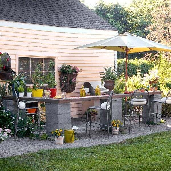Cinder block garden ideas - furniture, planters, walls and ... on Backyard Cinder Block Wall Ideas id=87967