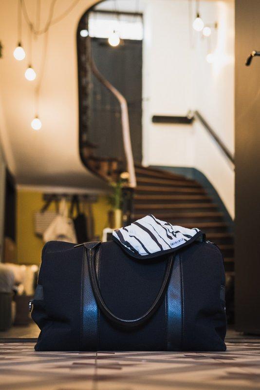 couverture rayée noire et blanche voyage compacte compactable bébé stripes minimiz