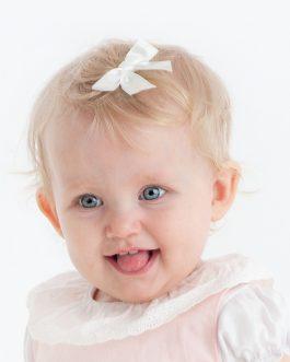 Hårspenne med liten sløyfe – Hvit