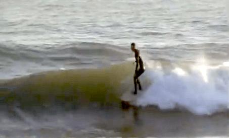 Mini Simmons Surfing