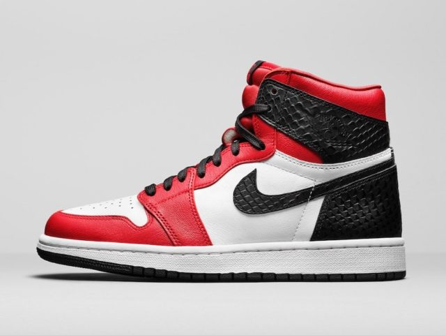 "AIR-JORDAN-1-HIGH-OG-""SATIN-SNAKE""-1-640×480"