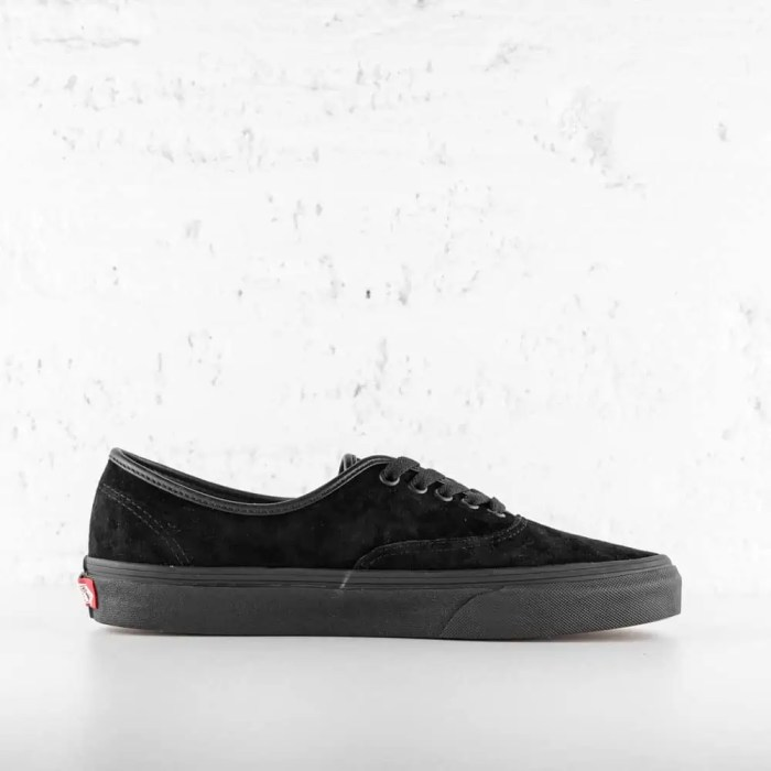 VANS AUTHENTIC BLACK SUEDE 5